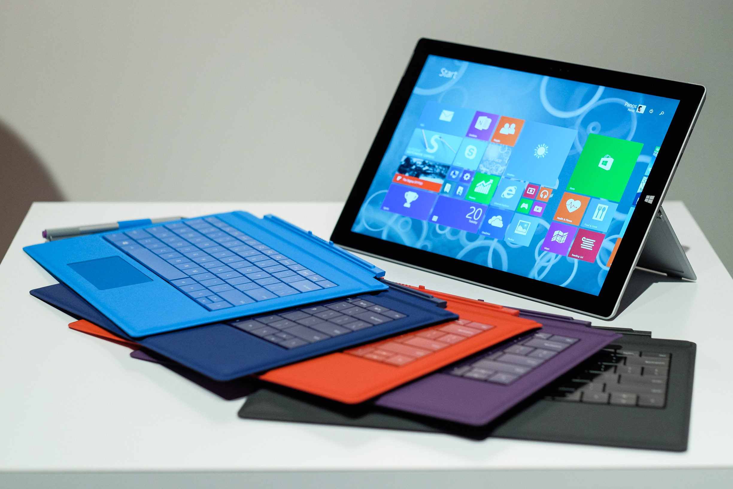microsoft 39 s surface 3 reduces the price and keeps the. Black Bedroom Furniture Sets. Home Design Ideas