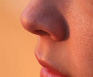 decongestant-natural-neti-pot-nose