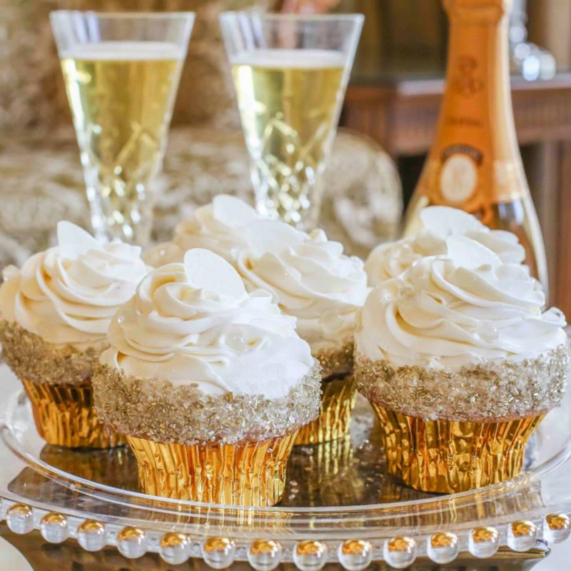 Casey Reinhardt's Enchanting Engagement cupcakes