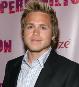 The 34-year old son of father (?) and mother(?), 180 cm tall Spencer Pratt in 2017 photo