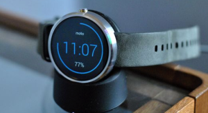 moto-360-vs-apple-watch-which-smartwatch-should-i-get-3