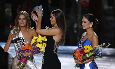 Vega had to take the crown off Miss Colombia's head