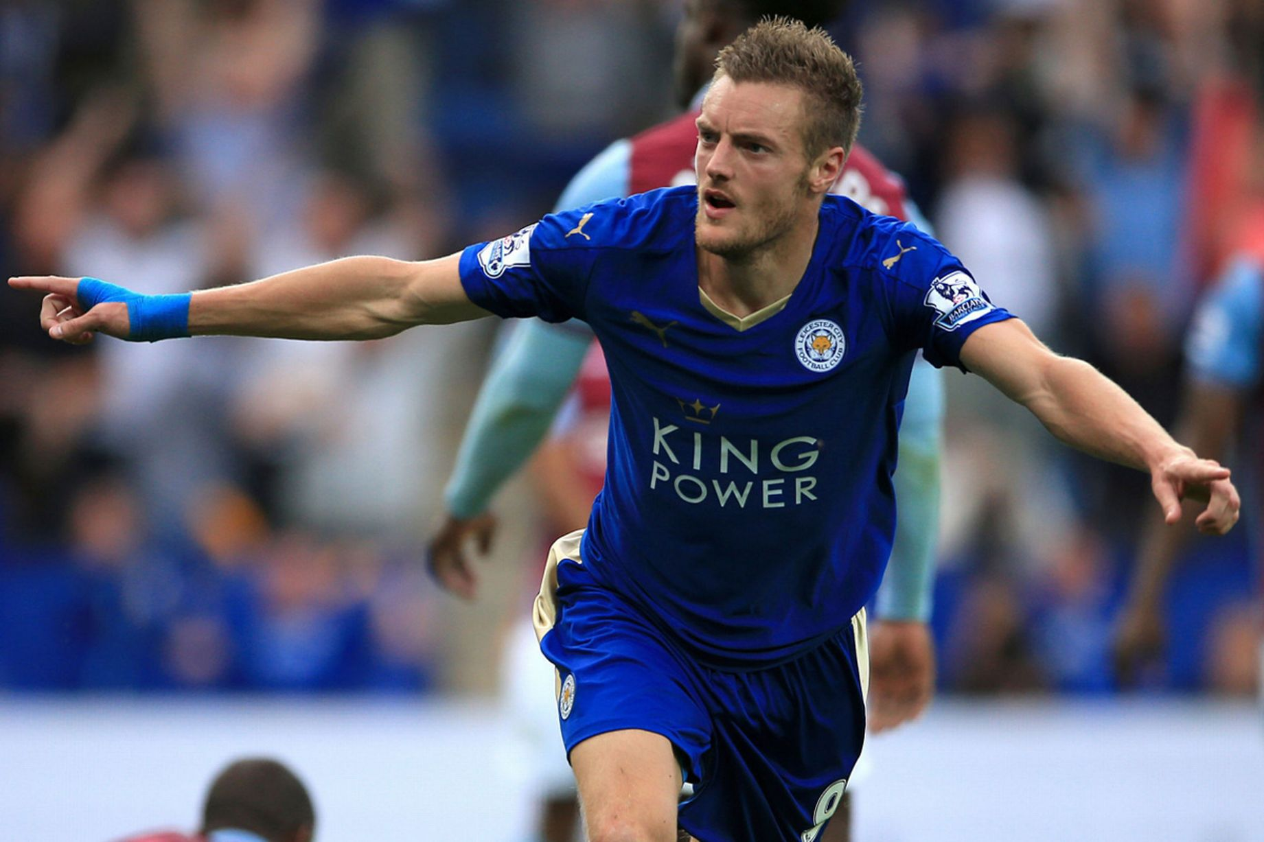 Jamie Vardy Headbutts His Old FIFA 16 Card The Gazette Review