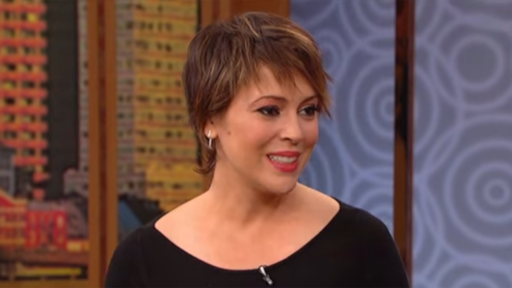 What happened to alyssa milano what 39 s she doing now for Milano 2016