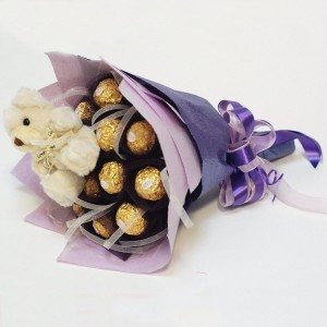 top-10-girlfriend-gifts-chocolate-bouquet