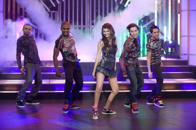 Victorious was focused on Justice's singing and dancing from the pilot