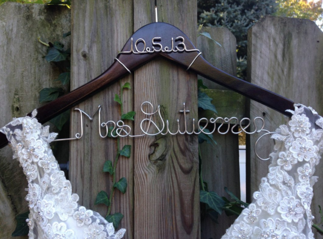 wedding-hanger-engagement-gift