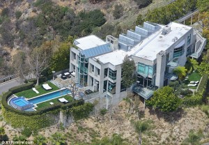 rihanna-net-worth-house