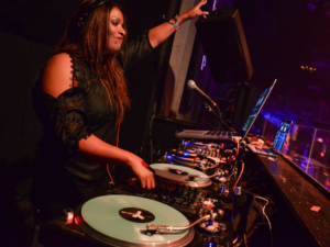 DJ-Spinderella-2106