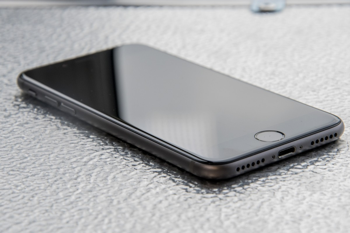 how to clean headphone port in iphone