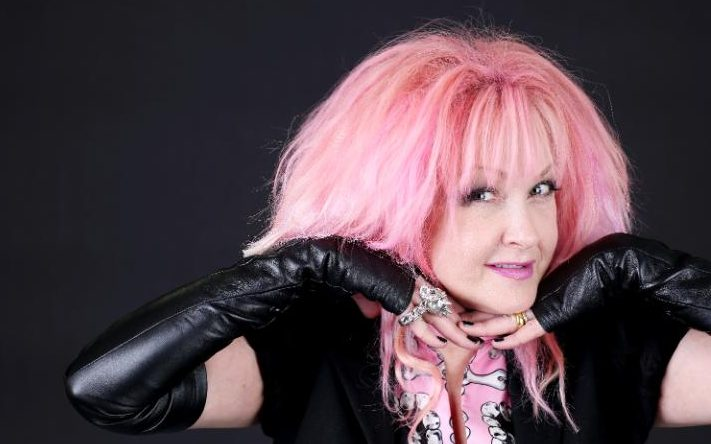 how tall is cindy lauper