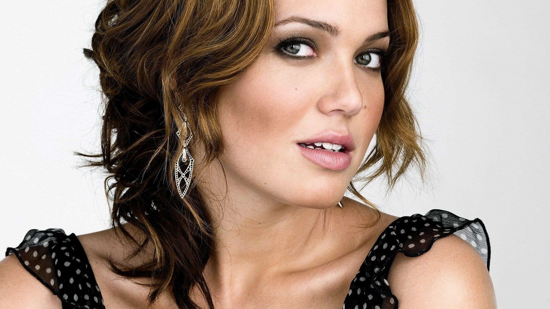 What Happened to Mandy Moore - News & Updates - The Gazette Review