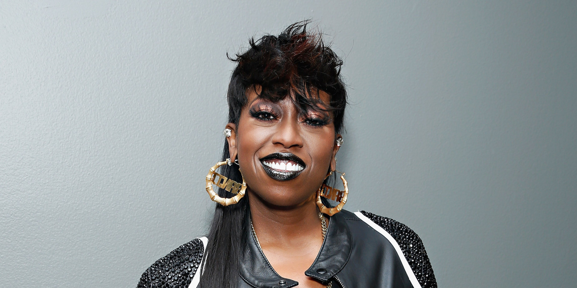 Missy Elliott is an American R&B singer who first broke out into the  entertainment scene as a member of Sista, an all-female hip hop group in  the 1990's.