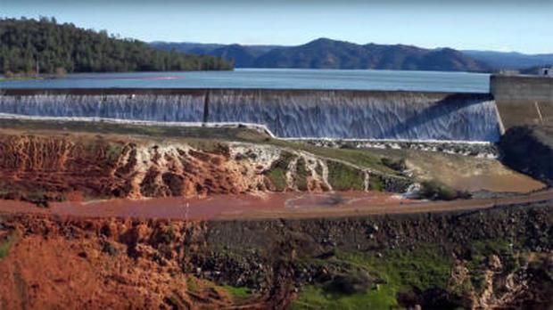 Emergency Staff Work On Lake Oroville Dam After Evacuation - Gazette