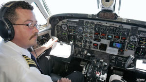Average Pilot Salary 2018 - Income, Hourly Wages & Career