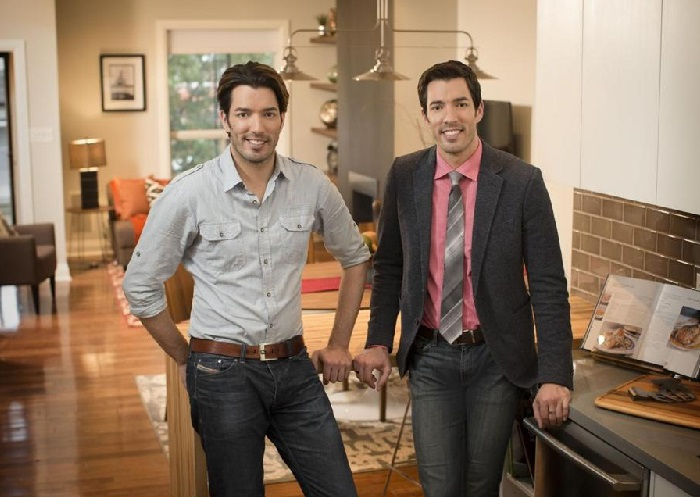 the property brothers net worth - How Tall Is Jonathan Scott