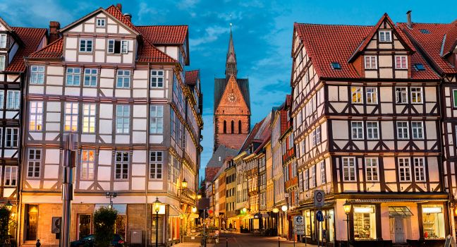 germany hannover evacuates 50 000 people to defuse wwii bombs gazette review. Black Bedroom Furniture Sets. Home Design Ideas