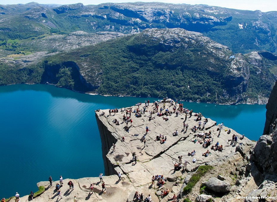 Norway: Google Maps Error Sends Tourists To a Small Town ...