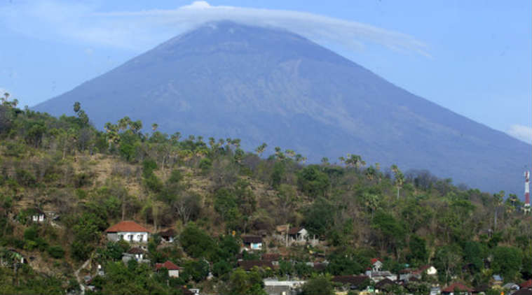 Second volcano erupts after 140000 residents evacuated from Bali