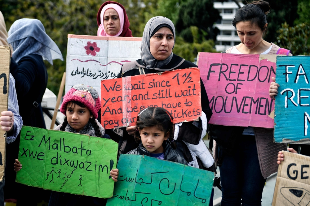 Greece: Refugees Demand Transfer, Begin Hunger Strike