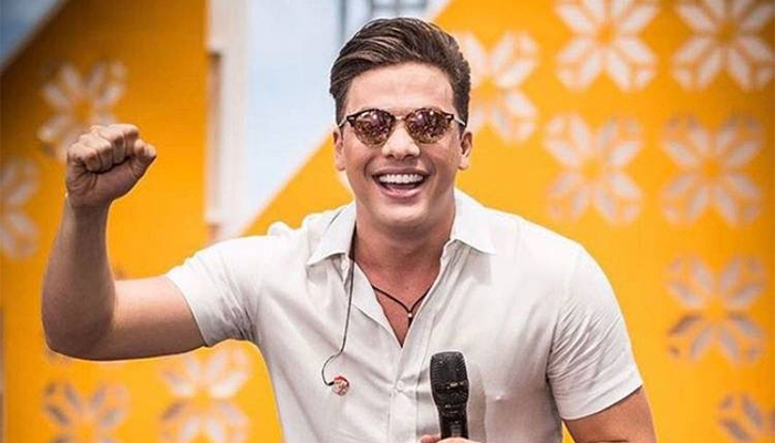 A Renowned Singer From Brazil Wesley Safadao Rose To Fame As A Member Of The Family Band Garota Safada Throughout His Career He Has Released Over Half A