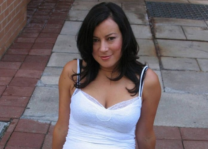 Jennifer tilly sexy photos