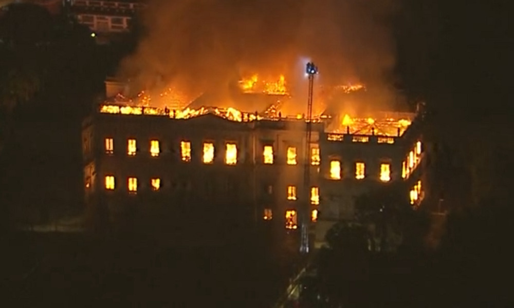 Fire tears through Rio's 200-year-old National Museum